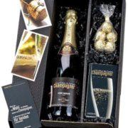 Caja de Regalo con Champán - rosas, copas, tarjeta y chocolates