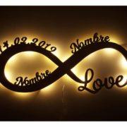 Lámpara de Pared Personalizada con Motivo de Amor
